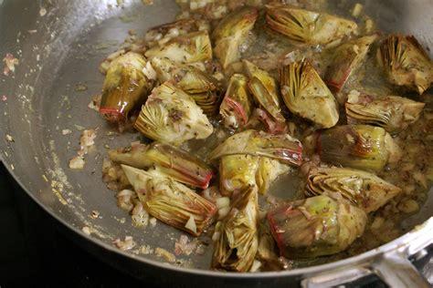 cuisiner artichaut artichauts poivrade recette d 39 artichauts poivrade sautés