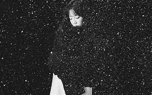 ho98-snow-girl-snsd-taeyeon-black-bw-kpop-wallpaper