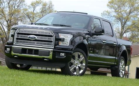 ford  series leads   sales    consecutive