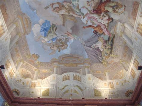 trompe l oeil plafond trompe l oeil de la salle de marbre le plafond est 224 peine vo 251 t 233 en r 233 alit 233 photo de melk