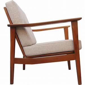 Fauteuil Bois Et Tissu : fauteuil vintage en bois massif et tissu beige 1960 design market ~ Teatrodelosmanantiales.com Idées de Décoration