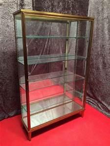 Vitrine Pour Petit Objet : ancienne vitrine sur pied vitrines anciennes guy ~ Zukunftsfamilie.com Idées de Décoration