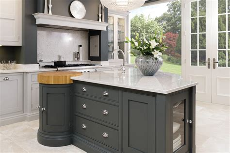 Island Style Kitchen - luxury kitchen designer tom howley opened a new showroom gentleman 39 s style