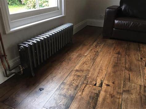 inspiring rustic wooden floor living room design living room salle salle de bain