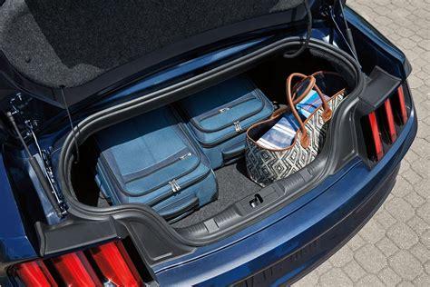 ford mustang convertible gt premium price  uae