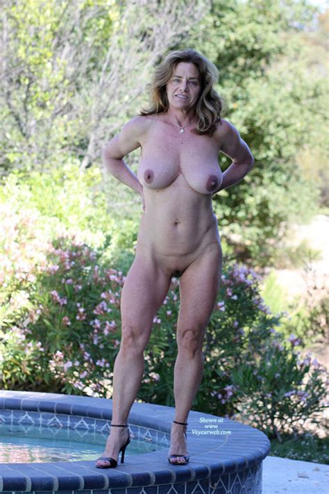 Nude Amateur On Heels SP Darlene Again Nearing