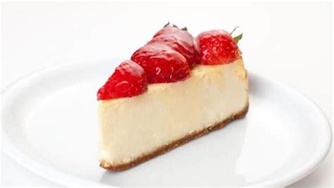 chef de cuisine strawberry cheesecake recipe by khosla ndtv food