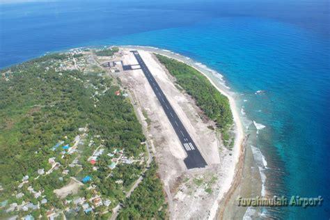 Panoramio - Photo of Fuvahmulah Airport