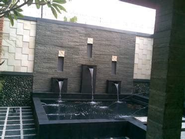 merawat batu alam penghias dinding  pagar minimalis