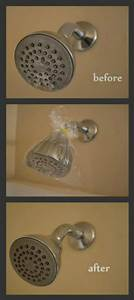 How to clean your shower head and entire bathroom with for How to clean bathroom with vinegar