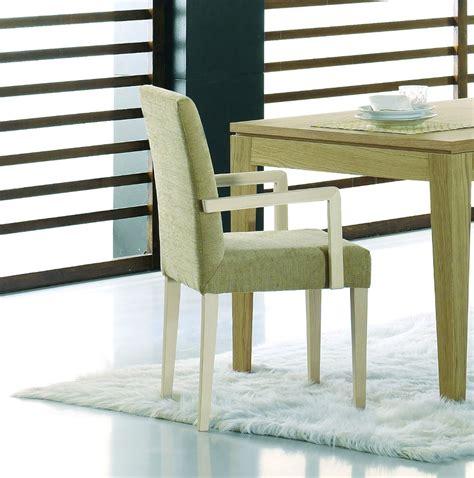 chaise avec accoudoirs chaise en bois avec accoudoirs brin d 39 ouest