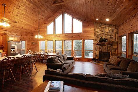lone star lodge cabin  broken bow  sleeps