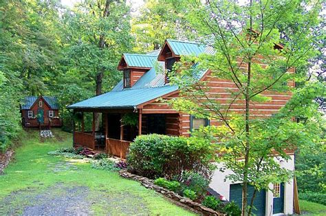 mountain log home cabin  sale  boone north carolina  valley views