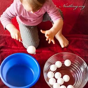 Spiele Für Kleinkinder Drinnen : spielideen f r drinnen wasser nestling ~ Frokenaadalensverden.com Haus und Dekorationen