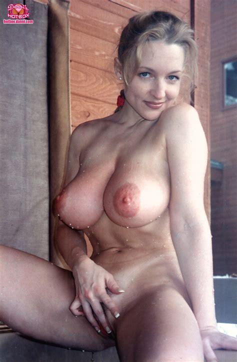 Shaved Busty Babe Danni Ashe With Natural Tits Tgp