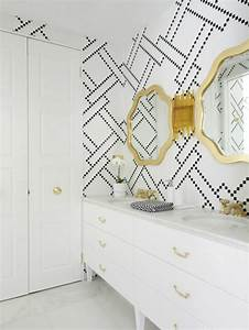 toilettes design amenagement et decoration With kitchen cabinets lowes with papier peint dore