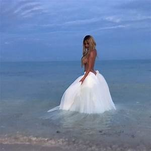 Kroy biermann kim zolciak biermann renew their wedding wows for Kim zolciak wedding dress
