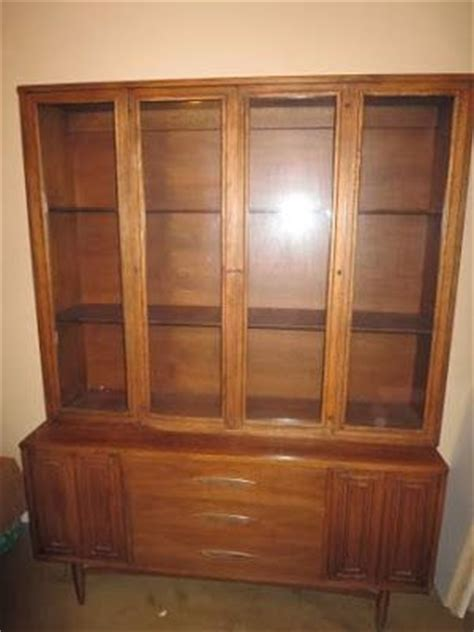 cheap china hutch this hutch missed a cheap one last year no place