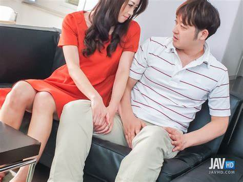 Gorgeous Japan Mfm In Sofa Pretty Trash Maki Hojo Has A Cute Solo On The Office