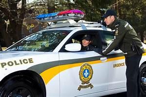 Nouvelle Voiture De Police : voiture de police avec nouvelle uniform de la sq photo de la sq police law pinterest ~ Medecine-chirurgie-esthetiques.com Avis de Voitures
