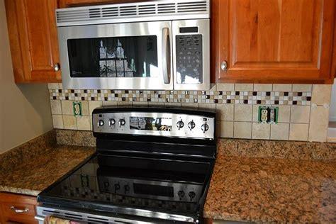 black kitchen cabinets images 32 best kitchen backsplash images on kitchen 4695