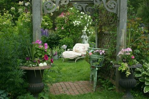 not shabby vintage home and garden am 233 nagement jardin shabby chic en 46 id 233 es pour le printemps