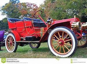 Droit De Rétractation Achat Voiture : voiture ancienne rouge image libre de droits image 27258556 ~ Gottalentnigeria.com Avis de Voitures