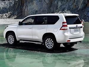 2014 Toyota Land Cruiser Prado photo gallery - Autocar India