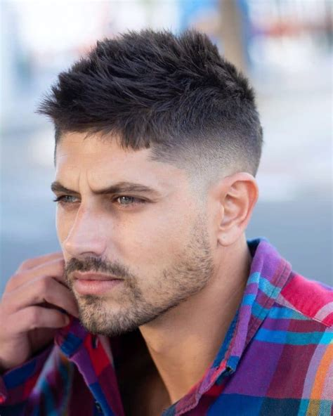 50+ Popular Men's Haircuts + Hairstyles For Men > October