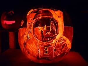 Astronaut Pumpkin | Cool faceshield reflections! | Rebecca ...