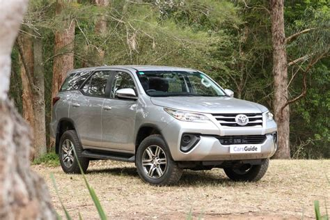 Review Toyota Fortuner by Toyota Fortuner 2018 Review Carsguide