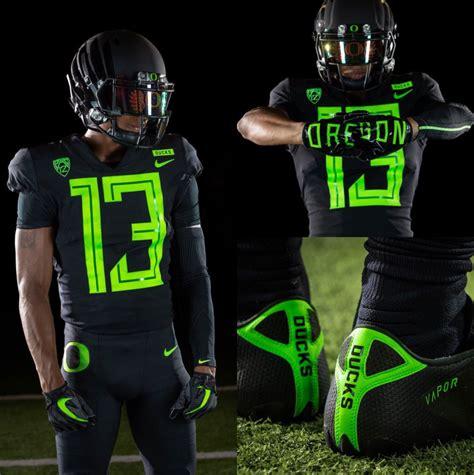 oregon football unveils    sick uniforms