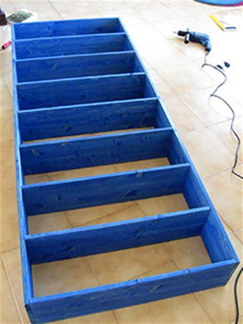 Come Costruire Una Libreria In Legno by Come Costruire Una Libreria In Legno E Care Lieti