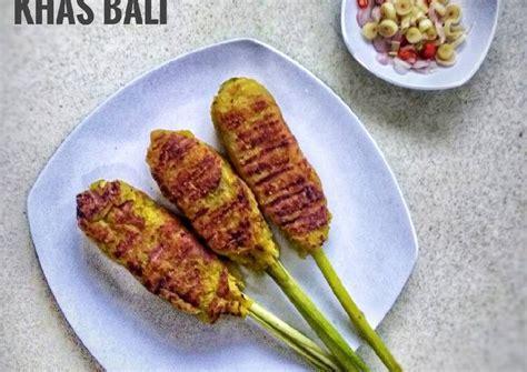 Masukkan daging sapi dan masak hingga berubah warna. Resep Sate Lilit Khas Bali oleh Farhah - Cookpad