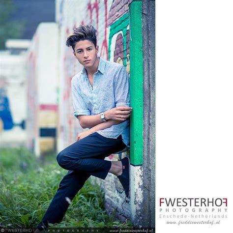 12919 photography style boy in studio teen boy photography seniors teen boys
