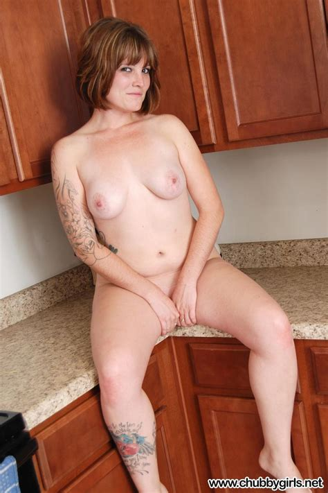 Busty Alt Girl Jen Strips Naked And Gets On Her Knees In