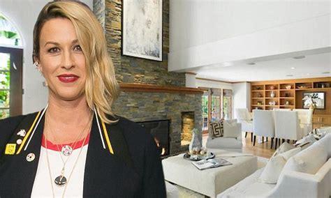 alanis morissette house alanis morissette puts brentwood home on market for 5 5m