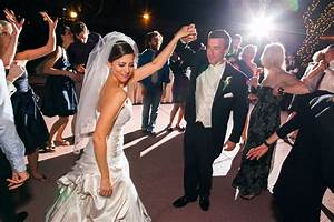 photographing outdoor receptions phoenix scottsdale With flash modifiers for wedding photography