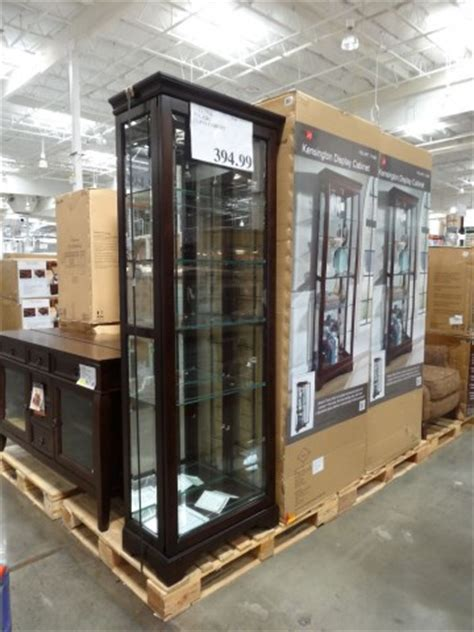 pulaski cambridge display cabinet pulaski kensington display cabinet