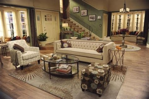 {style inspiration} From the Set of Melissa & Joey   Blue i Style
