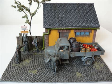 Miniart  36032 Diorama With Barn + 35142 L1500s German 1