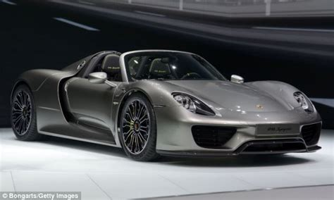 Porche Supercar by 918 Spyder Porsche And Bmw Unveil Hybrid Supercars That