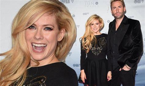 Avril Lavigne reveals close bond with estranged husband