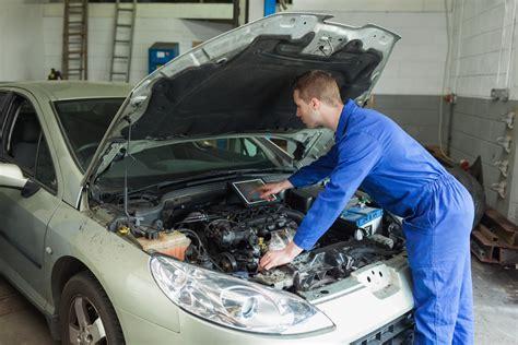 il faut demonter le moteur de ma voiture  le garagiste