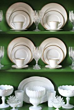 how to arrange a china cabinet 1000 ideas about china cabinet display on