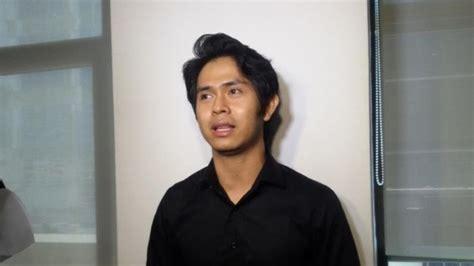 Cakra Khan Gugup Bawakan Soundtrack Film Rudy Habibie