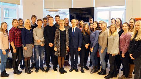 Nodarbība par demokrātiskās Latvijas valsts pamatvērtībām