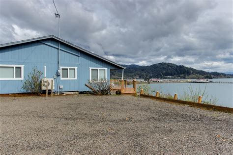 Boat Rental Tillamook Bay by Fisherman S Dream Boat House 2 Bd Vacation Rental In