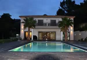 maison contemporaine avec jardin interieur mc