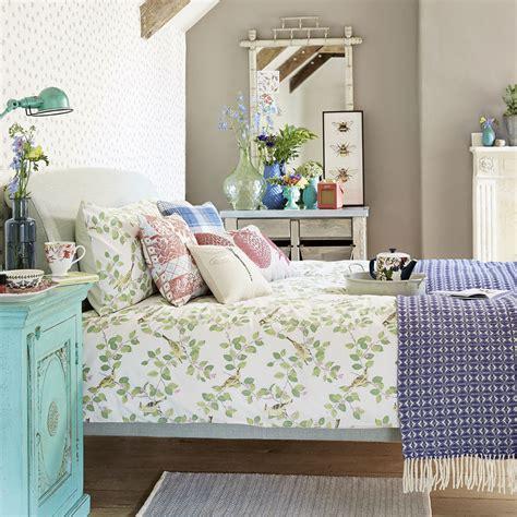 Budget Bedroom Ideas  Cheap Bedrooms  Budget Bedroom Decor